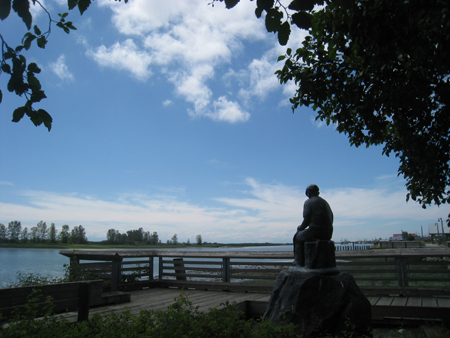 Statue dedicated to the Japanese Canadian Fishermen