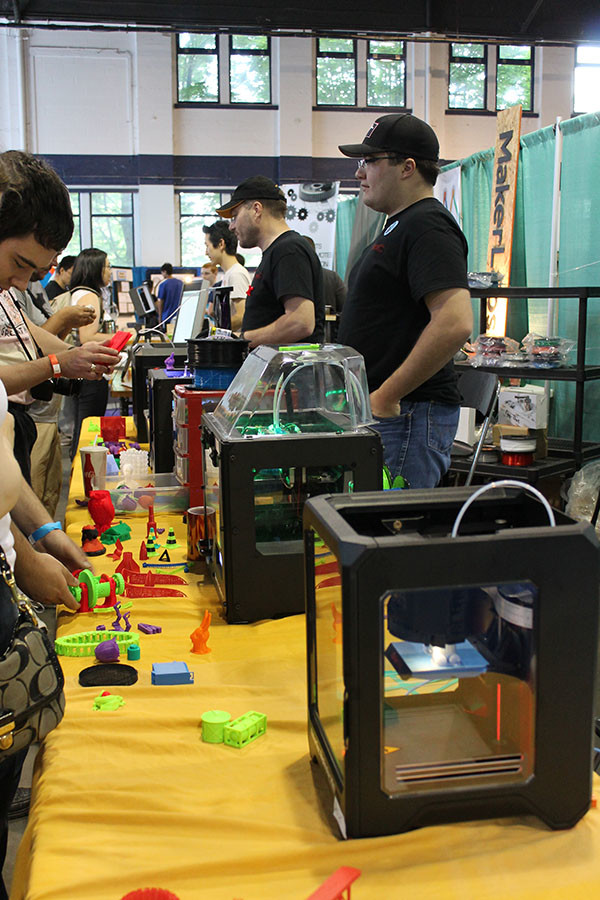 3D printers on display