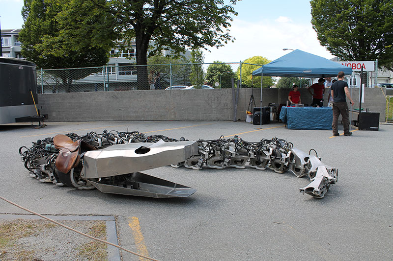 Giant robotic serpent